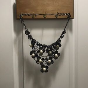 Jewelry - Metallic black and pearl flower statement necklace